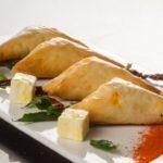 Catering_Food_MalaysianTapas_SamosaCheese
