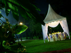 Catering_Wedding_Garden_Rental_HighTop