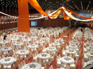 Catering_Wedding_Indoor_Amber_Peach_SitDown_SetUp