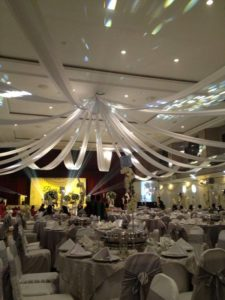 Catering_Wedding_Indoor_PureSilver_SetUp_SitDown3